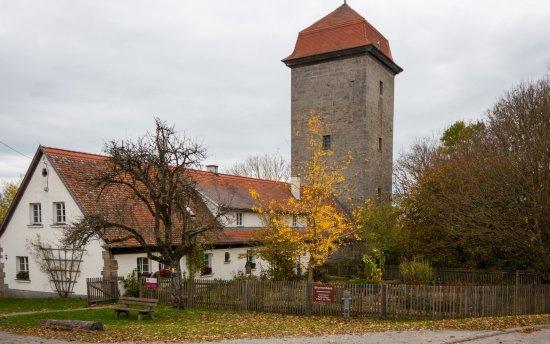 ชิลลิงส์เฟิร์สต์, เยอรมนี: Brunnenwärterhaus mit Turm