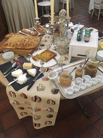 Castrocielo, Italy: perfect home made breakfast
