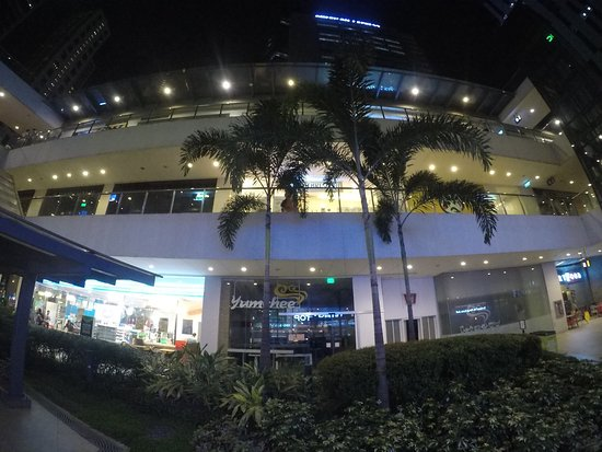 Taguig City, Philippines: Stopping over