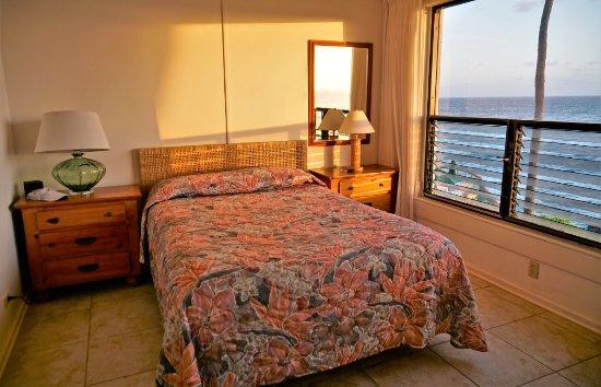 Poipu Shores Resort: Master bedroom