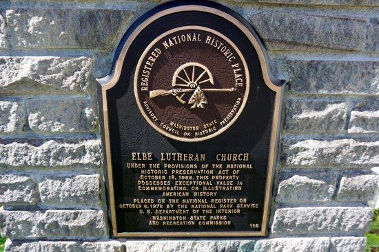 Little White Church (Evangelische Lutherische Kirche): placa registrando que ela faz parte da história americana e que está protegida