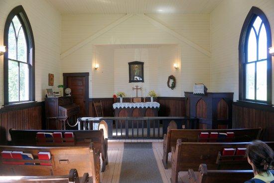 Little White Church (Evangelische Lutherische Kirche): interior da igreja