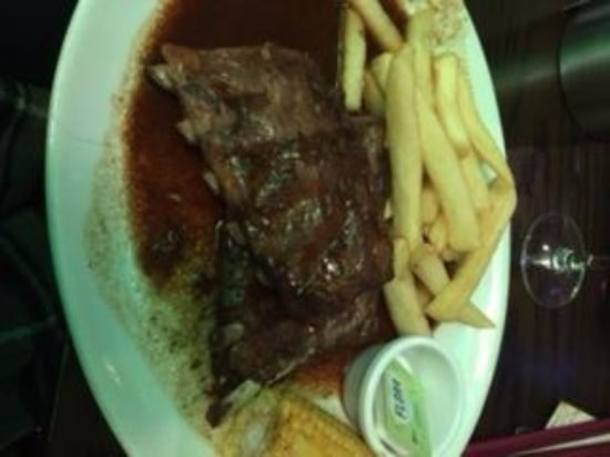 Graveley, UK: Ribs and Chips (I ordered without salad, coleslaw and onion rings)