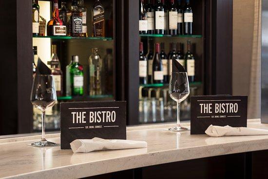Courtyard by Marriott San Jose Cupertino: The Bistro Bar