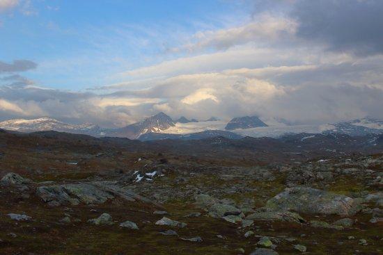 Lom, Norvegia: along Sogne mountain