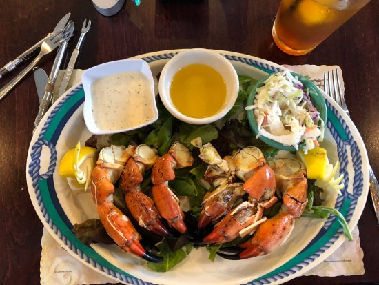 Green Turtle Market : Stone Crabs