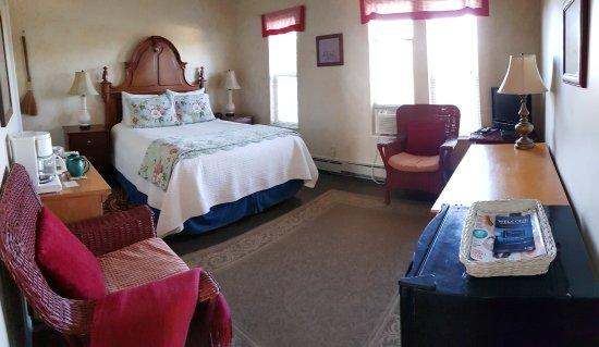 SkyRidge Inn Bed & Breakfast : Huckleberry Room (ground floor)