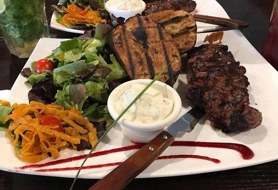 Stains, Francia: Assiette carnivore
