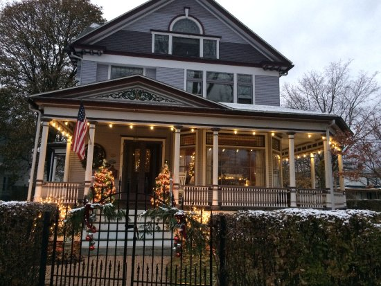Lady of the Lake Bed and Breakfast: Merry Christmas from Lady of The Lake