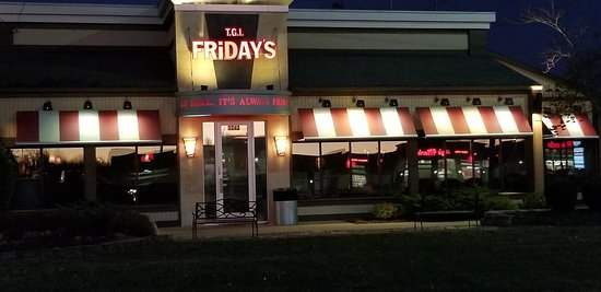 TGI Fridays: Great location for something new!