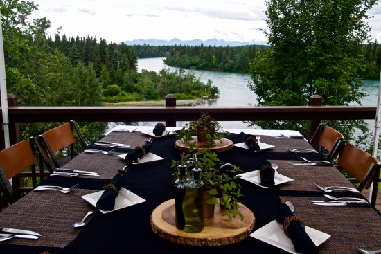 Sterling, AK: Meals served at the main lodge and occassionally on the deck!