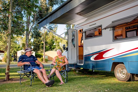 Deniliquin, Australia: Pull up and plug into a Powered Site