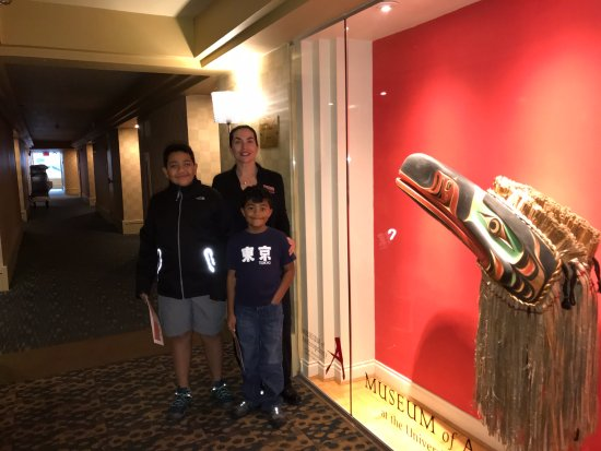 The Listel Hotel Vancouver: Our friend Nikki showing us the First Nations exhibit in one of the hotel floors