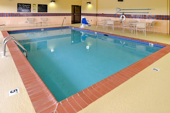 Litchfield, IL: Pool