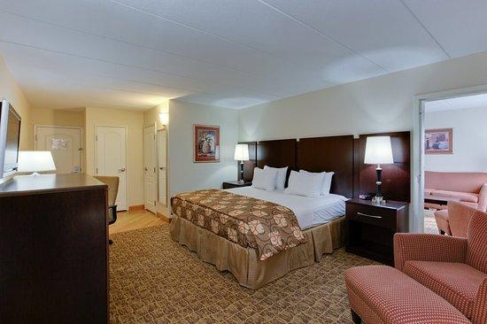 California, MD: Suite