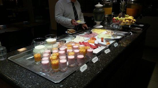 Faial Prime Suites: buffet cafe da manha