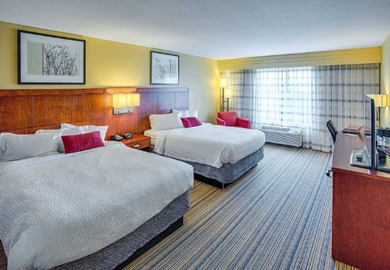 Moorhead, MN: Queen/Queen Guest Room