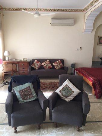 Hotel Meghniwas : photo2.jpg