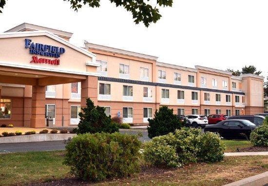 Fairfield Inn & Suites Hartford Airport : Exterior