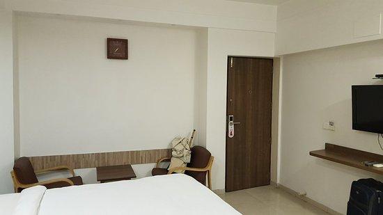 Budget Inn Palm Regency Photo