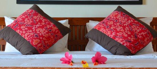 Cocotinos Sekotong, Boutique Beach Resort & Spa: Water edge villa