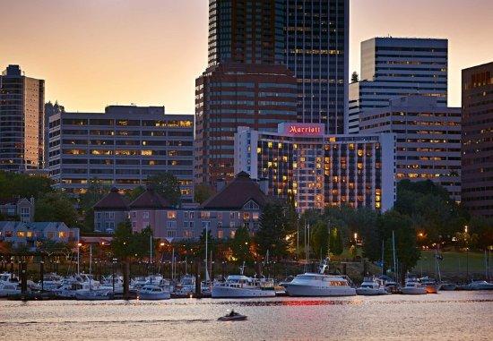 Portland Marriott Downtown Waterfront: Exterior