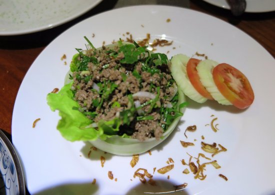 Blue Lagoon Restaurant: Minced beef with larp