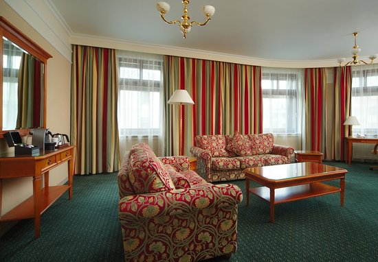 Moscow Marriott Grand Hotel: Corner Suite