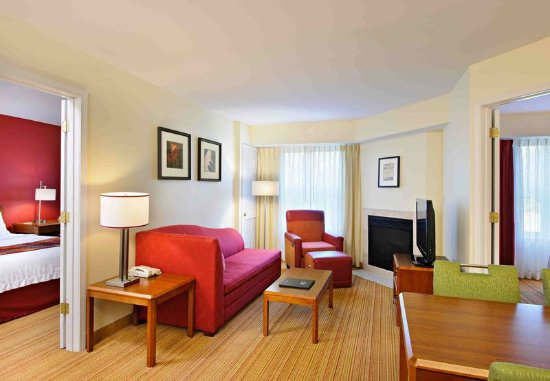 Dartmouth, MA: Two-Bedroom Suite
