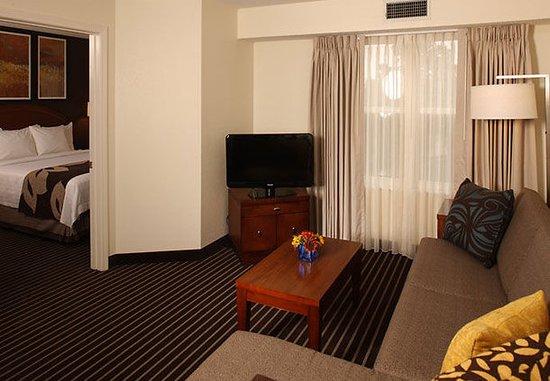 Holtsville, Nowy Jork: One-Bedroom Suite