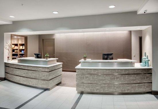 Residence Inn by Marriott Portsmouth: Front Desk