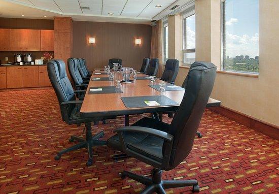 Courtyard Edmonton Downtown: Jasper Boardroom