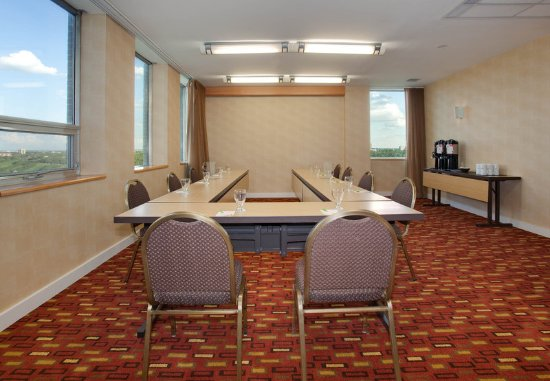 Courtyard Edmonton Downtown: Maligne Meeting Room
