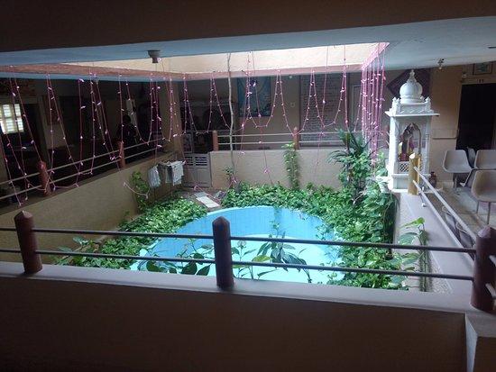 Rukmavati Guest House: GARDEN VIEW ON GROUND FLOOR