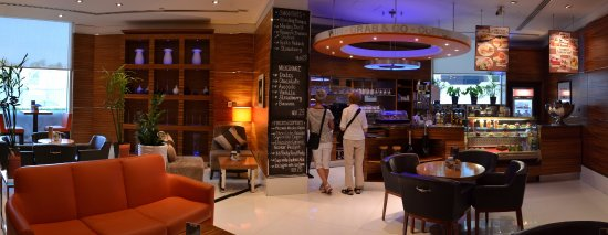 Four Points By Sheraton Downtown Dubai: The coffee, tea and snack shop.