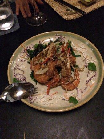 Home Finest Saigon Restaurant: Shrimps with hot & sour sauces