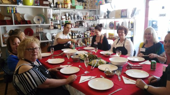 Kyneton Food Studio: Guests enjoying a three course meal which they made together