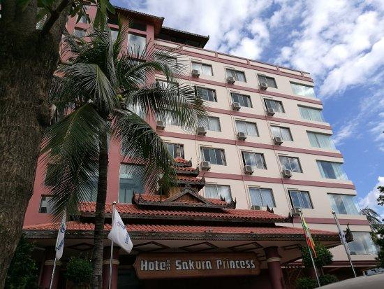 Hotel Sakura Princess: Front