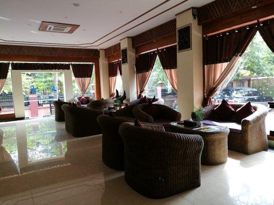 Hotel Sakura Princess: Lobby