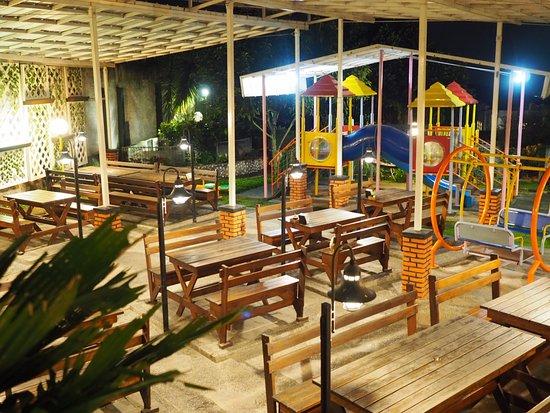 Bakoel Karasa: Children playground