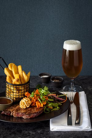 Market Place Restaurant & Bar: The Classic Steak & Fries