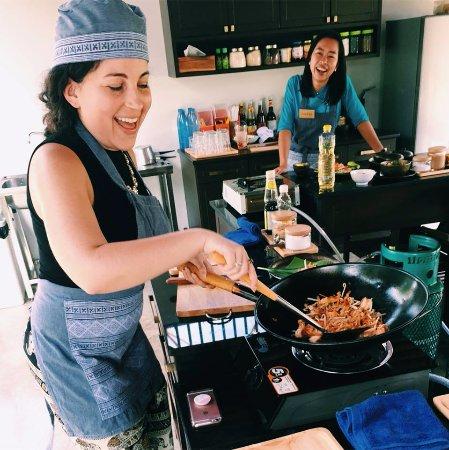 Saraphi, Tailandia: Cooking with Joy!