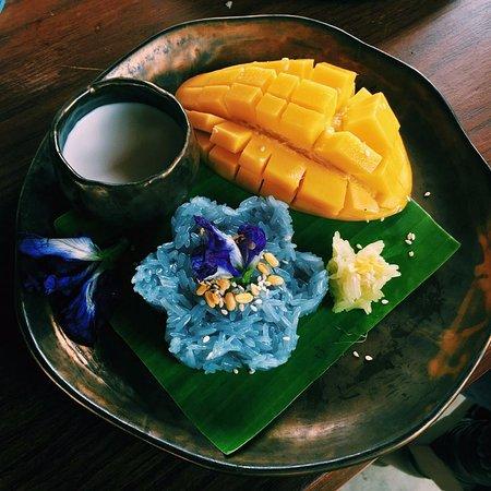 Saraphi, Tailandia: Dessert: Blue mango sticky rice