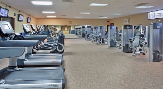 The Lodge at Eagle Crest: Fitness Center at the Resort Sports Center