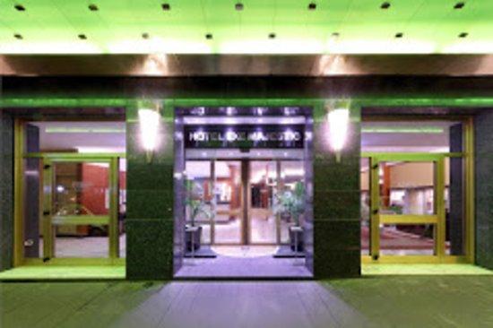 Hotel Exe Majestic: l'ingresso maestoso