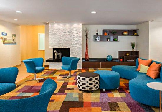 Fairfield Inn & Suites Chicago Naperville/Aurora: Lobby