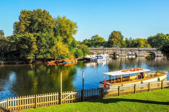 Stratford-Upon-Avon, Cotswolds, and...