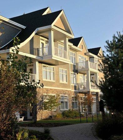 Minett, Canada: Paignton House Wing Entrance