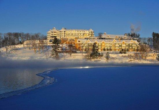JW Marriott The Rosseau Muskoka Resort & Spa : Exterior