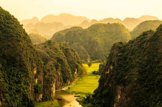 Small Group Tour from Hanoi to Hoa Lu...